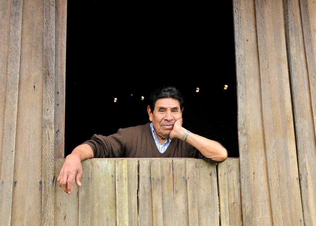 O geógrafo e fotógrafo Gilson Oliveira é lembrado como admirador da natureza e dos povos originários. Kachú posou para matéria sobre criação do Ambulatório do Envelhecimento Indígena, em 2012