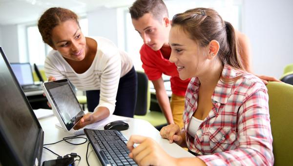 Profissional do futuro une conhecimento e habilidades sociais