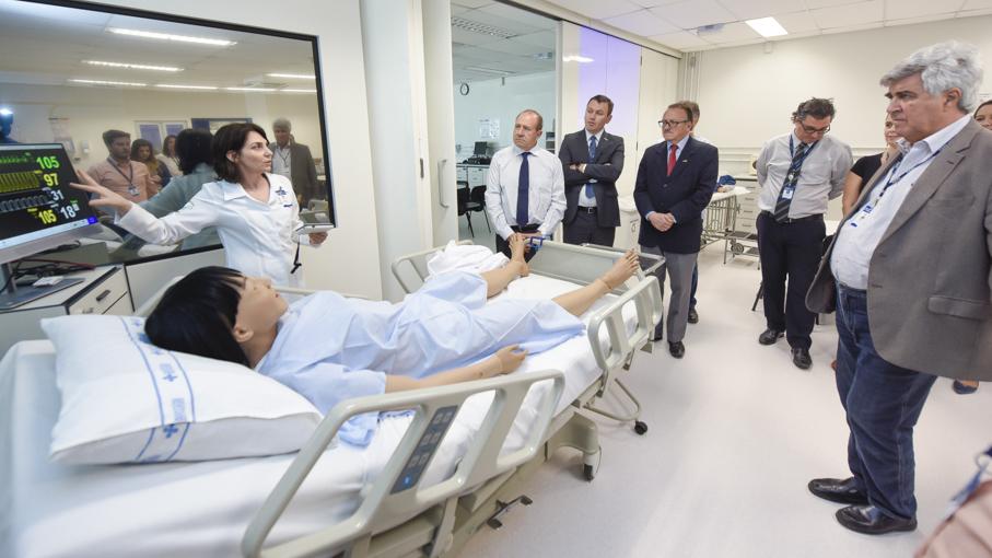 laboratório de simulação realística, escola de ciências da saúde, enfermagem, primeiroas socorros, reanimação, simuladores, reitoria, pró-reitores