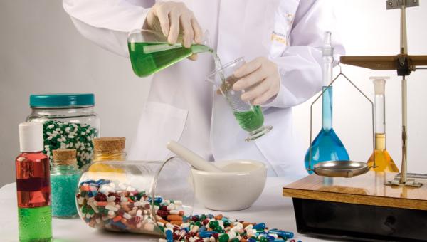 Oficinas auxiliam no uso correto de medicamentos