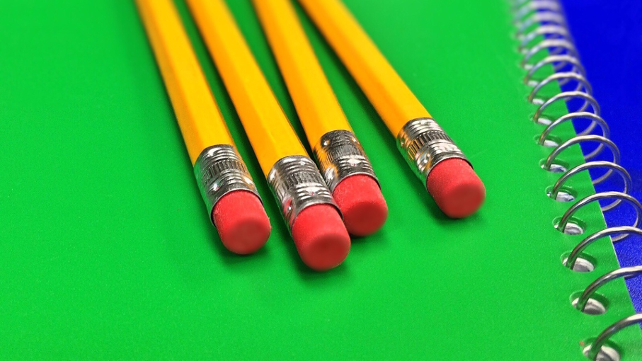 Lápis / Caderno