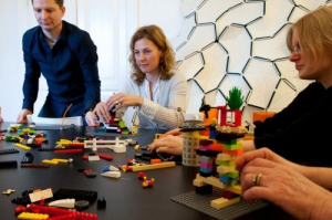 Oficina criativa Lego Serious Play