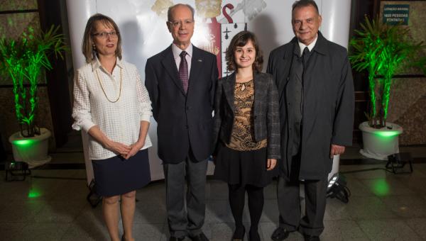 Diplomados destaque no Enade são homenageados
