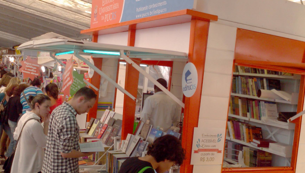 Edipucrs participa da 62ª Feira do Livro de Porto Alegre