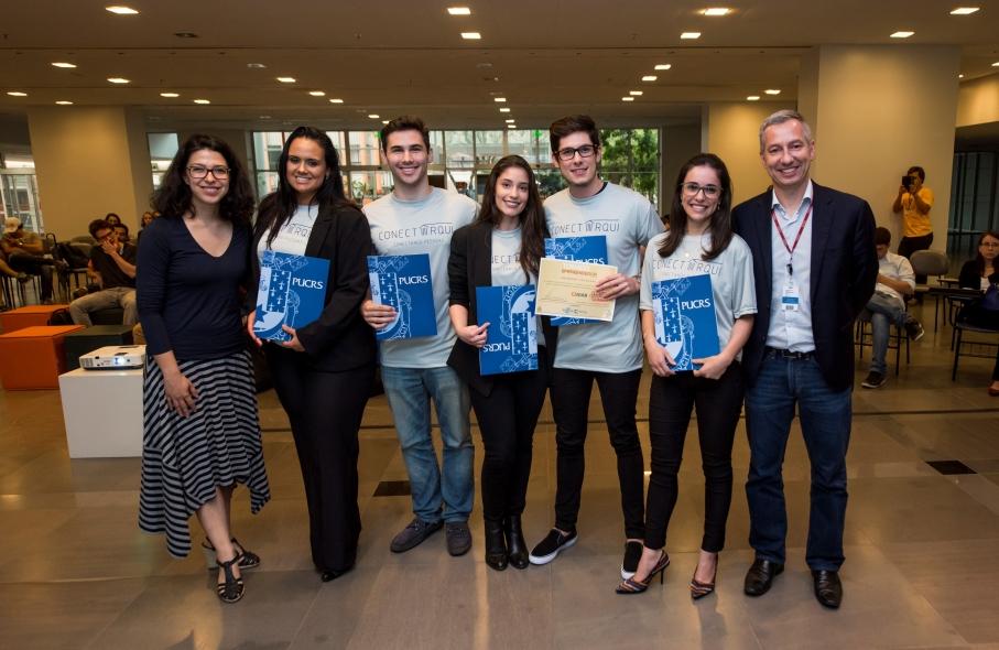 Equipe vencedora do Torneio Empreendedor. Foto: Camila Cunha - Ascom/PUCRS
