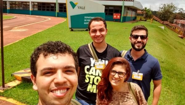 Diplomados da Famecos que venceram prêmio visitam a Vale no Pará