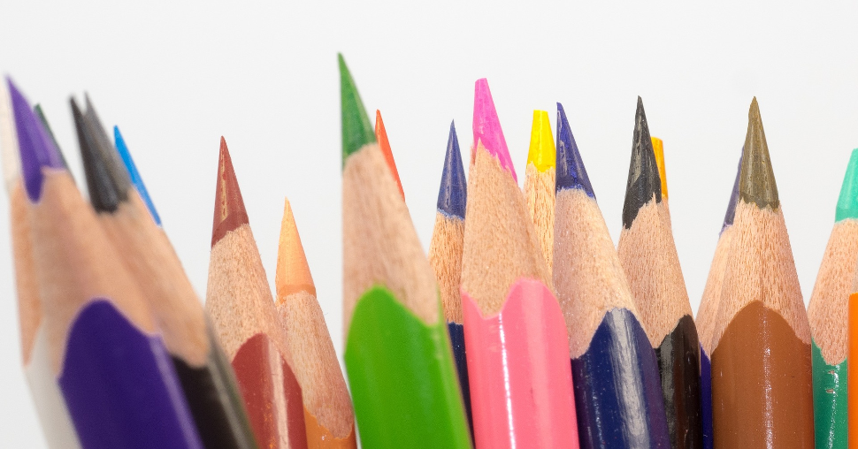 CEB - Conjunto de lápis de cor