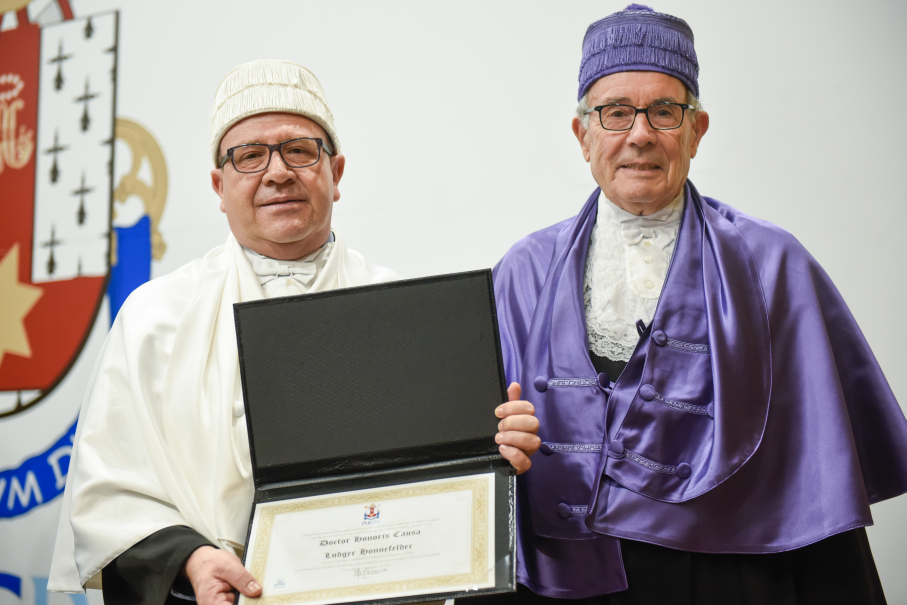 Doutor Honoris Causa,Ludger Honnefelder,Filosofia,Alemanha,Capelo,Cerimônia,Universidade de Bonn,Ir. Evilázio Teixeira