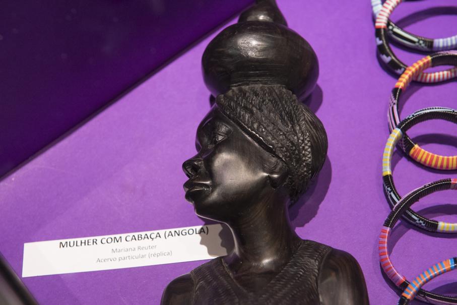 exposição, deusa nimba, biblioteca, Ir. Édison Hüttner