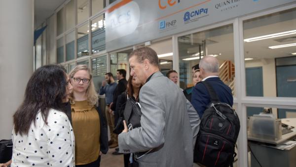 Comitiva internacional da Dell acompanha projetos na Escola Politécnica