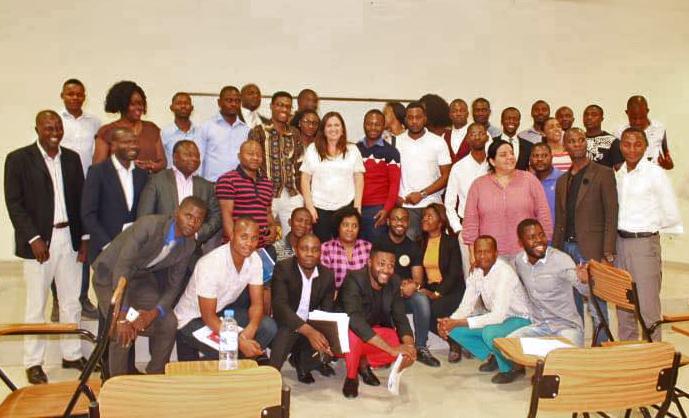 Professora Bettina Santos ministrou aulas sobre didática para 80 professores da instituição angolana | Foto: arquivo pessoal
