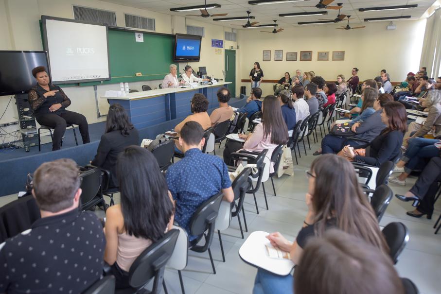 Seminário Brasileiro de Crítica Literária, Letras, Escrita Criativa, Anna Caballe Masforrol