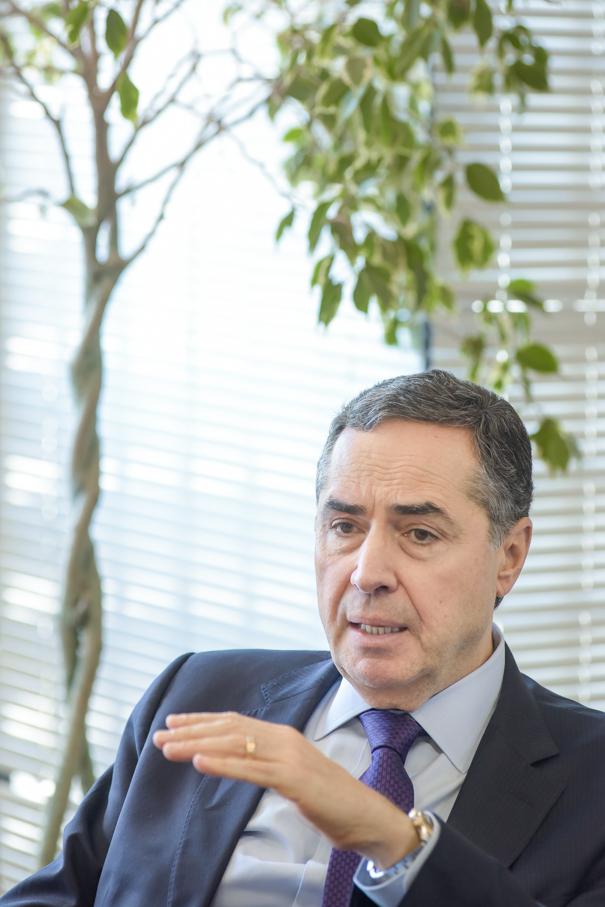 Entrevista com Luís Roberto Barroso, STF, Escola de Direito