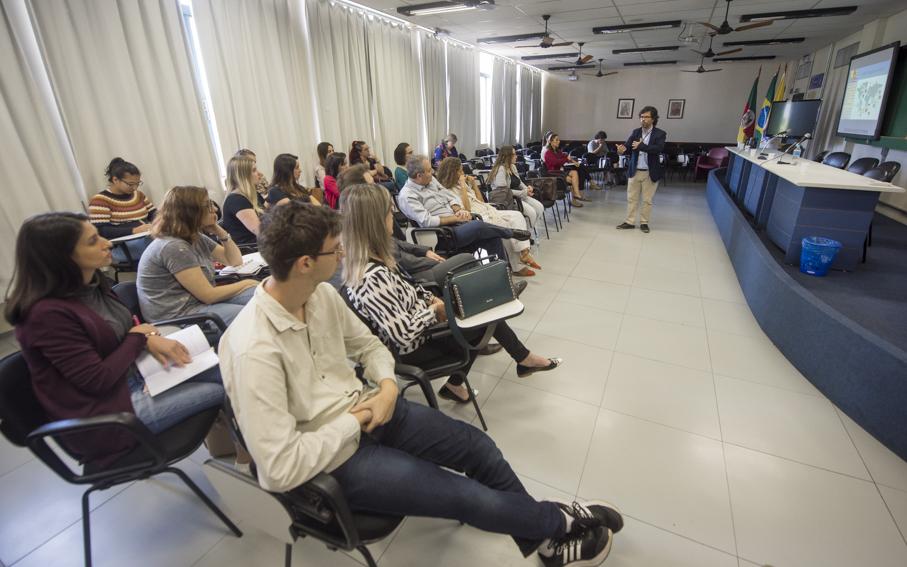 abertura, palestra, seminário, lusofonia, língua portuguesa, português, letras, escola de humanidades