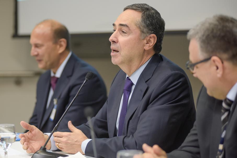 XV Seminário Internacional dos Direitos Fundamentais, Escola de Direito, Luiz Roberto Barroso