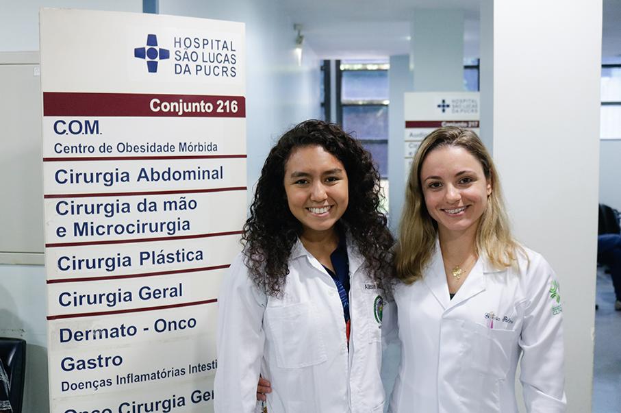 Imagem com alunos durante o evento Summer course da Escola da Medicina