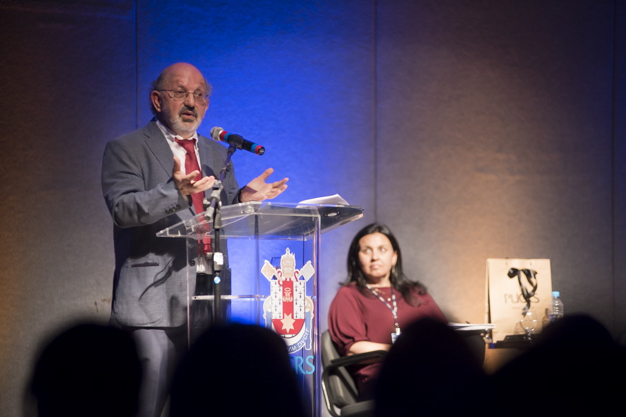 Miguel Zabalza faz palestra no Seminário de Desenvolvimento Acadêmico