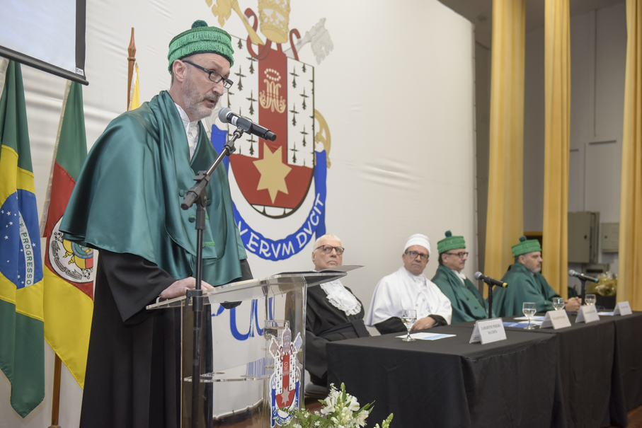 Honoris Causa, Lamartine Pereira da Costa