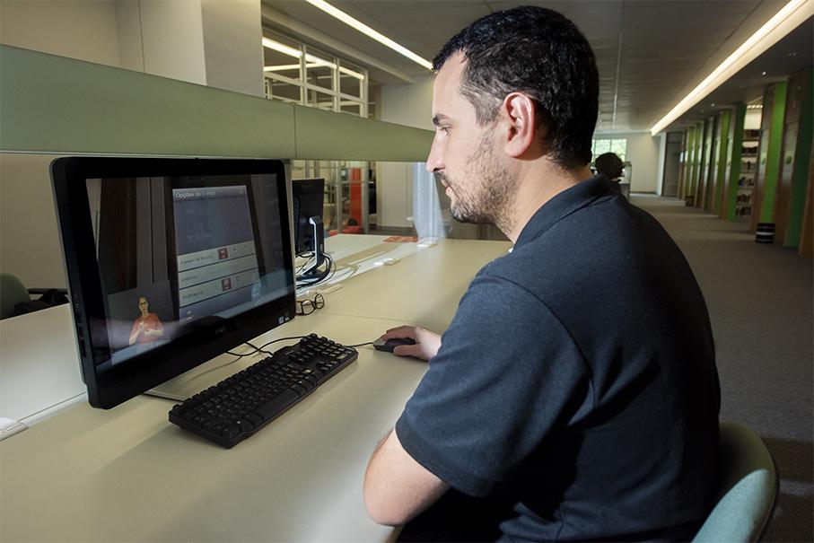 biblioteca, vídeos, libras, língua brasileira de sinais, scanner, deficiente auditivo, deficiência auditiva