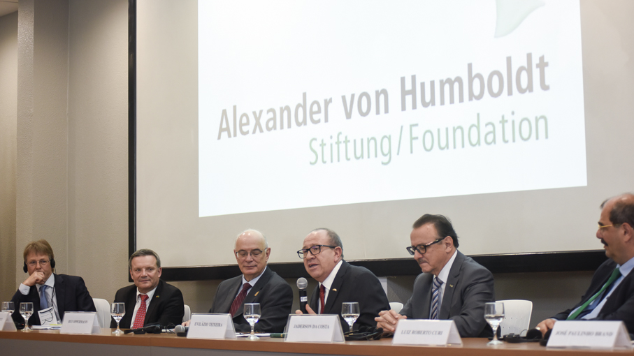 Hanz Pappe, Humboldt-Kolleg