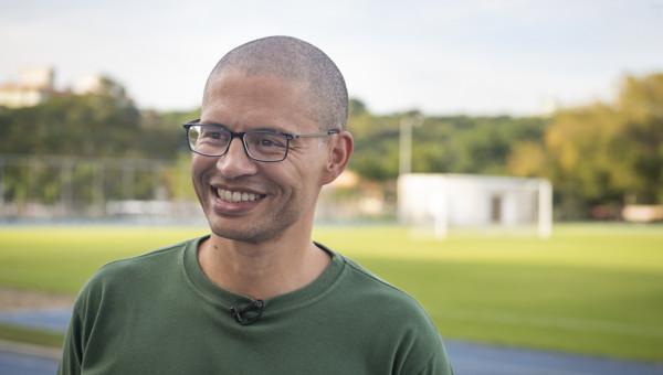 Alex, ex-meia da Seleção, conhece estrutura do Orlando City Soccer School na PUCRS