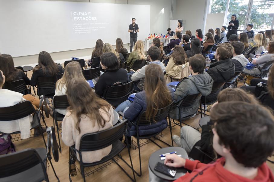 Reunião Pré-embarque Mobilidade Acadêmica, alunos