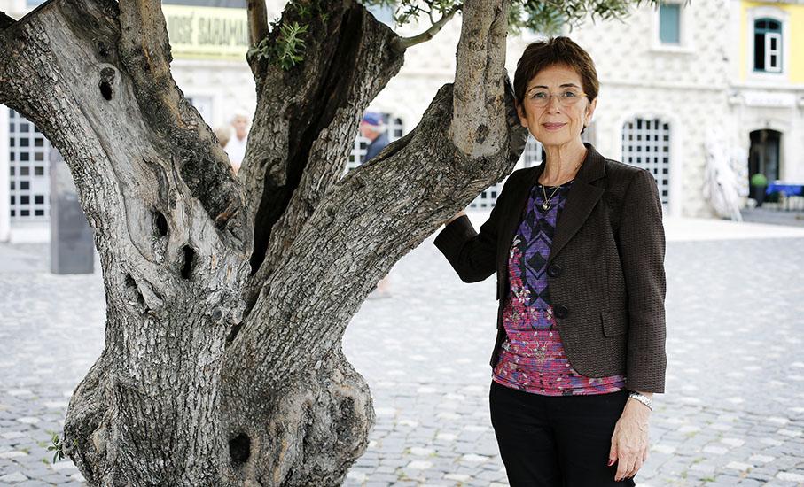 Jornalista e escritora, que foi casada com José Saramago por mais de 20 anos, conduz fundação que mantém seu legado / Foto: Bruno Colaço 4SEE
