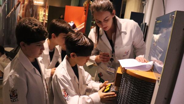 Museu de Ciências e Tecnologia oferece oportunidades de pesquisa para estudantes