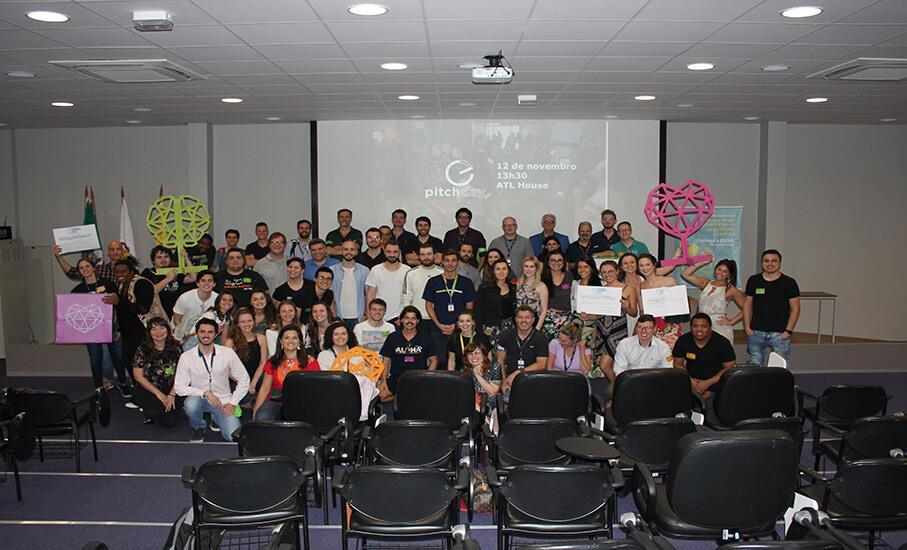 Alunos participantes do evento / Crédito: Diego Furtado