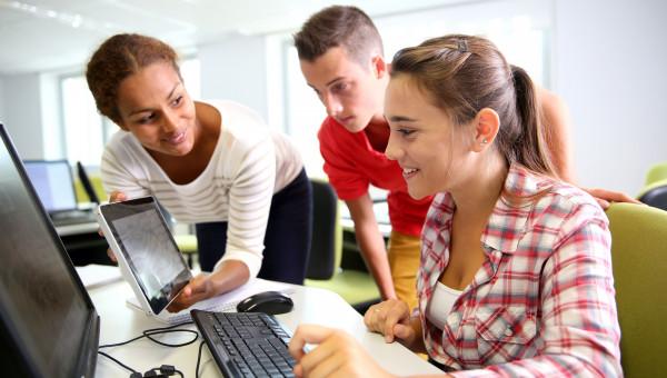 Em sintonia com o mundo do trabalho, Universidade atualiza currículos da graduação