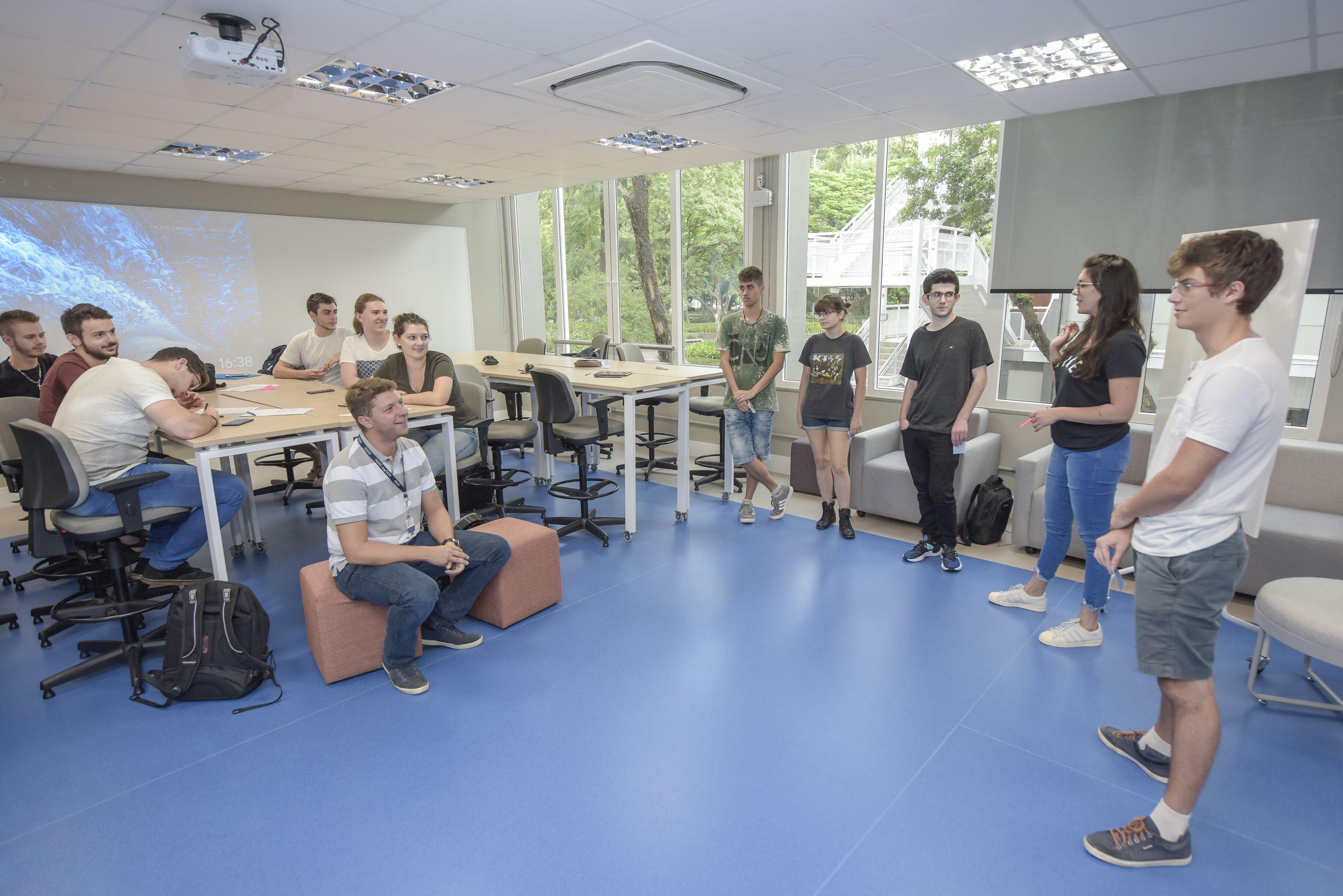 profissional_do_futuro_graduação_revista_pucrs