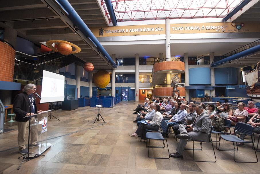 associação amigos do mct, museu de ciências e tecnologia, carlos gerbase, arno