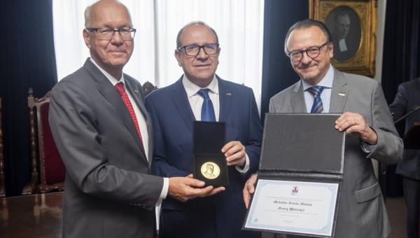 Embaixador da Alemanha Georg Witschel recebe Medalha Ir. Afonso