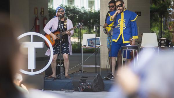 Tecnopuc In Concert diverte o público em sua primeira edição