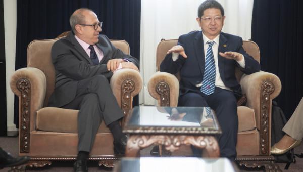 PUCRS assina convênio com hospital vinculado a universidade na China