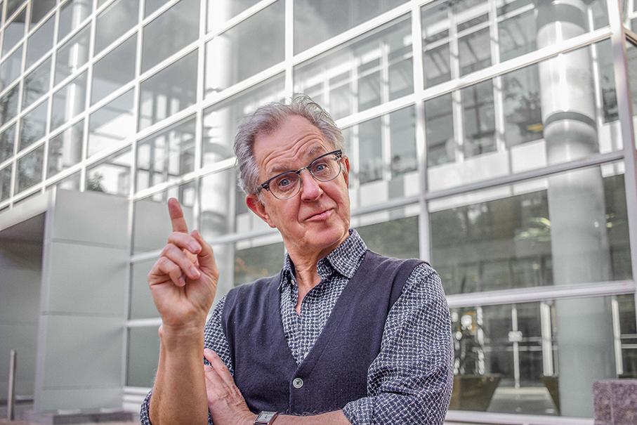 Andy Hargreaves,pós pucrs online,educação,educação transformadora,políticas educacionais