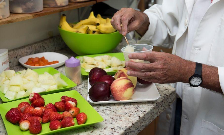 5 dicas: saiba como se alimentar de forma saudável no verão - Nutricionista indica cuidados necessários com a alimentação na época mais quente do ano