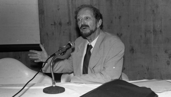 No aniversário de Moacyr Scliar, relembre a história do autor