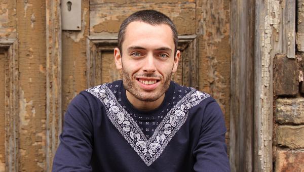 Escritor Caio Yurgel participa da série Ato Criativo