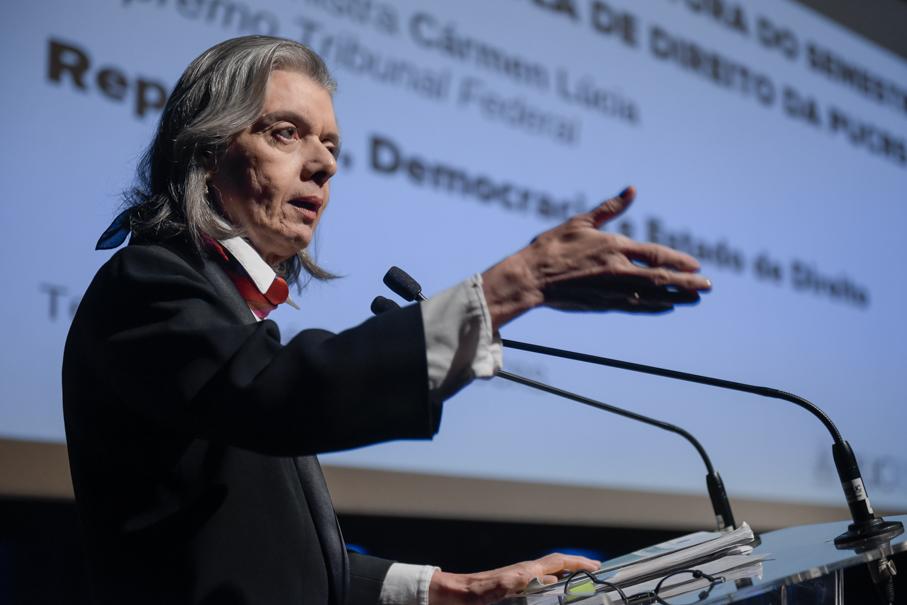 Conferência República, Democracia e Estado de Direito, Carmen Lúcia, STF, Escola de Direito