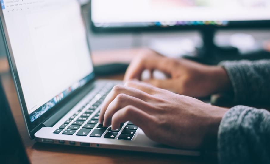 PUCRS prepara aulas a distância para alunos - Professores organizarão atividades e materiais de apoio em plataforma online