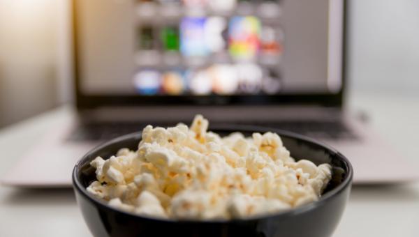 Para assistir: filmes e séries com temas estudados na Escola de Ciências da Saúde e da Vida