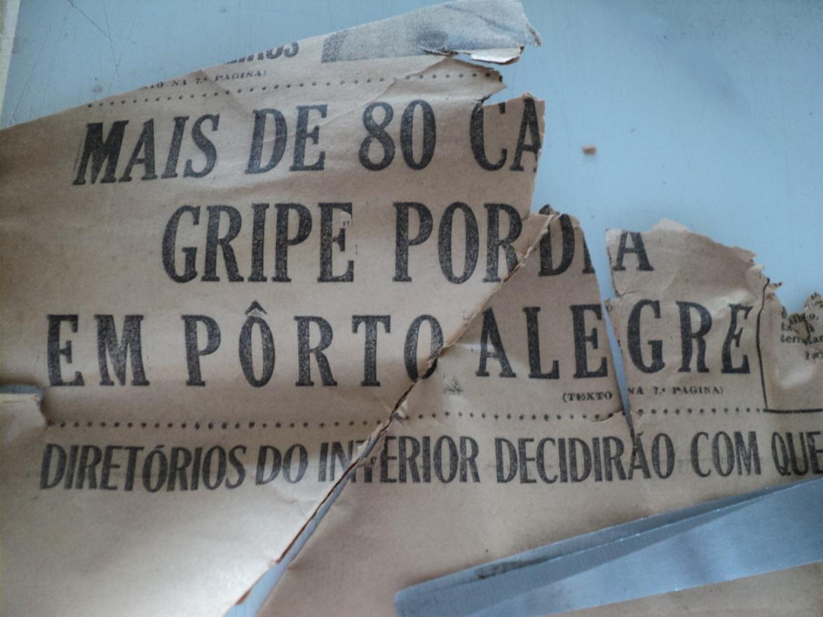 Em Porto Alegre, a Influenza chegou a contaminar mais de 80 pessoas em um só dia, conforme reportagem em jornal. Crédito Delfos/PUCRS