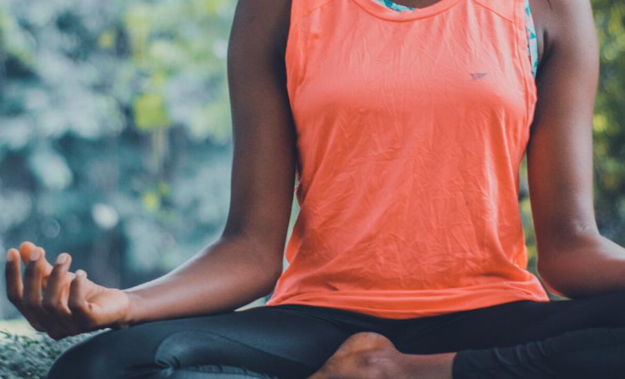 5 dicas: práticas para quem quer começar a meditar - A prática auxilia na desaceleração da rotina e impacta na saúde mental e no bem-estar