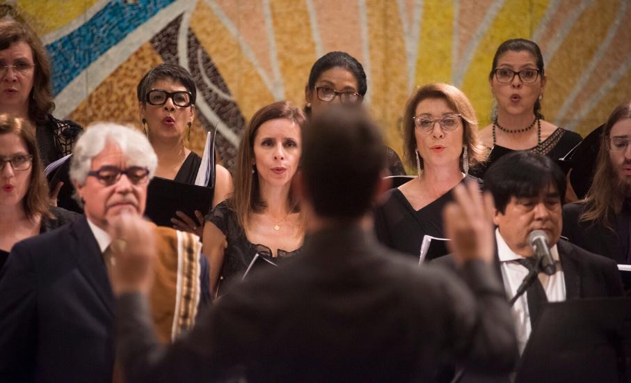 Um passeio pela música sacra, com maestro Marcio Buzatto - Confira a playlist com obras históricas narrada pelo regente do coral da PUCRS