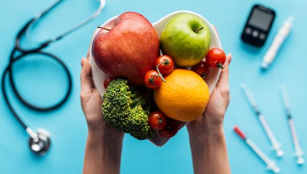Alimentação saudável é uma das principais formas de prevenir a diabetes