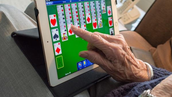 Estudo analisa a saúde de nonagenários e centenários durante a pandemia