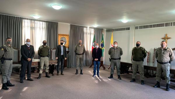 Reitoria recebe autoridades da Brigada Militar