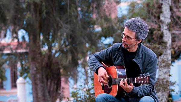Vitor Ramil é atração da série No Meu Canto nesta quinta