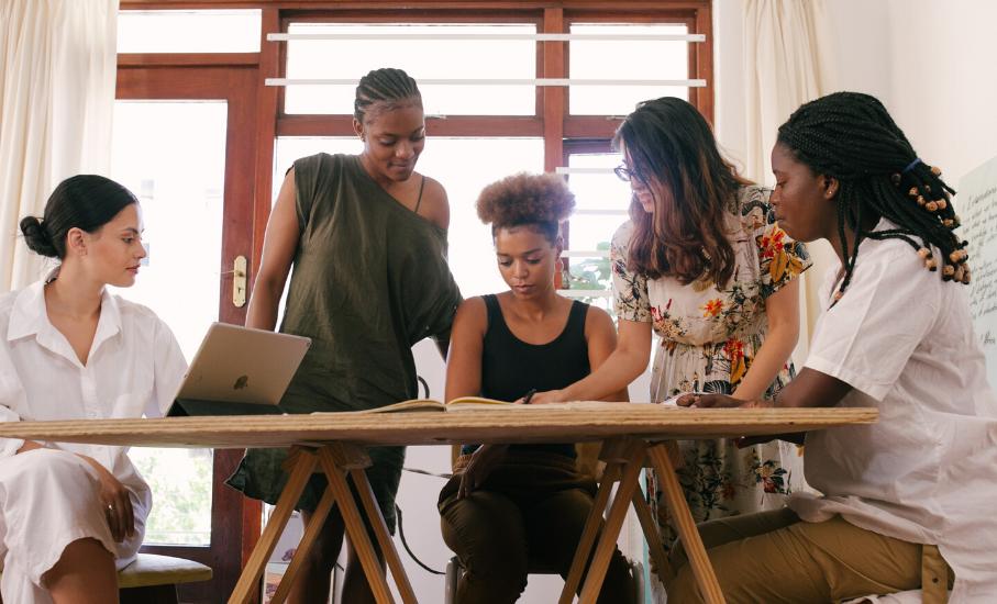Consultoria exclusiva prepara mulheres para o mercado de trabalho - Candidatas podem se inscrever até 7 de julho para concorrer às vagas no projeto do PUCRS Carreiras